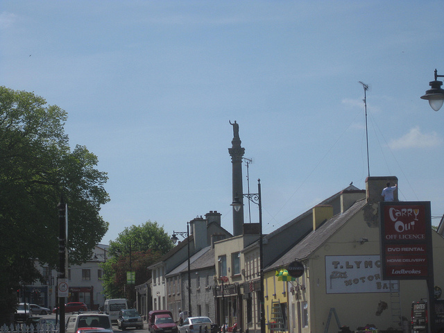 View of Trim with the statue of Wellington keeping watch. (Credit: Diego's Sideburns/Flickr)